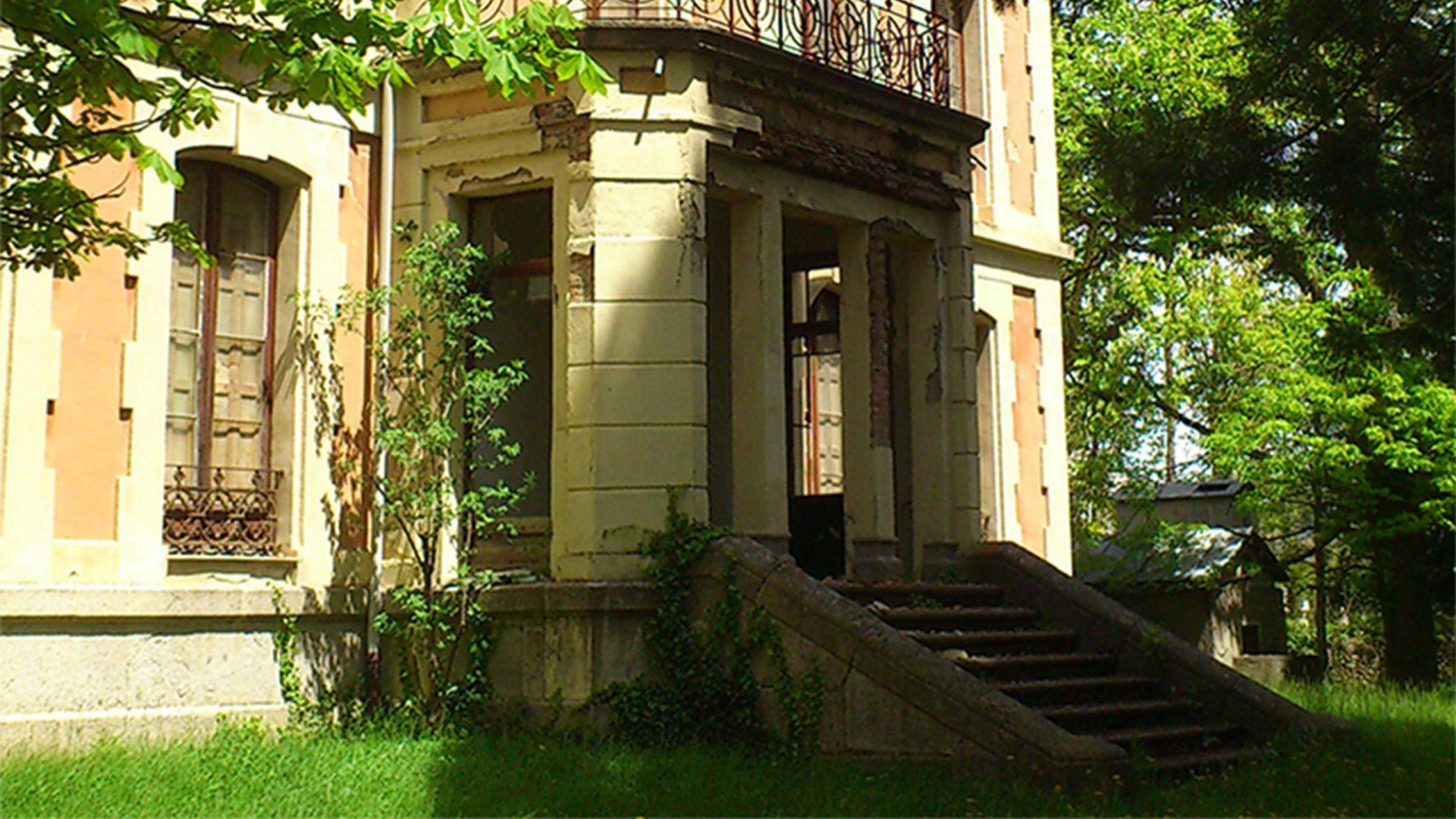 Imatge actual de la casa gran de la Casa Mata